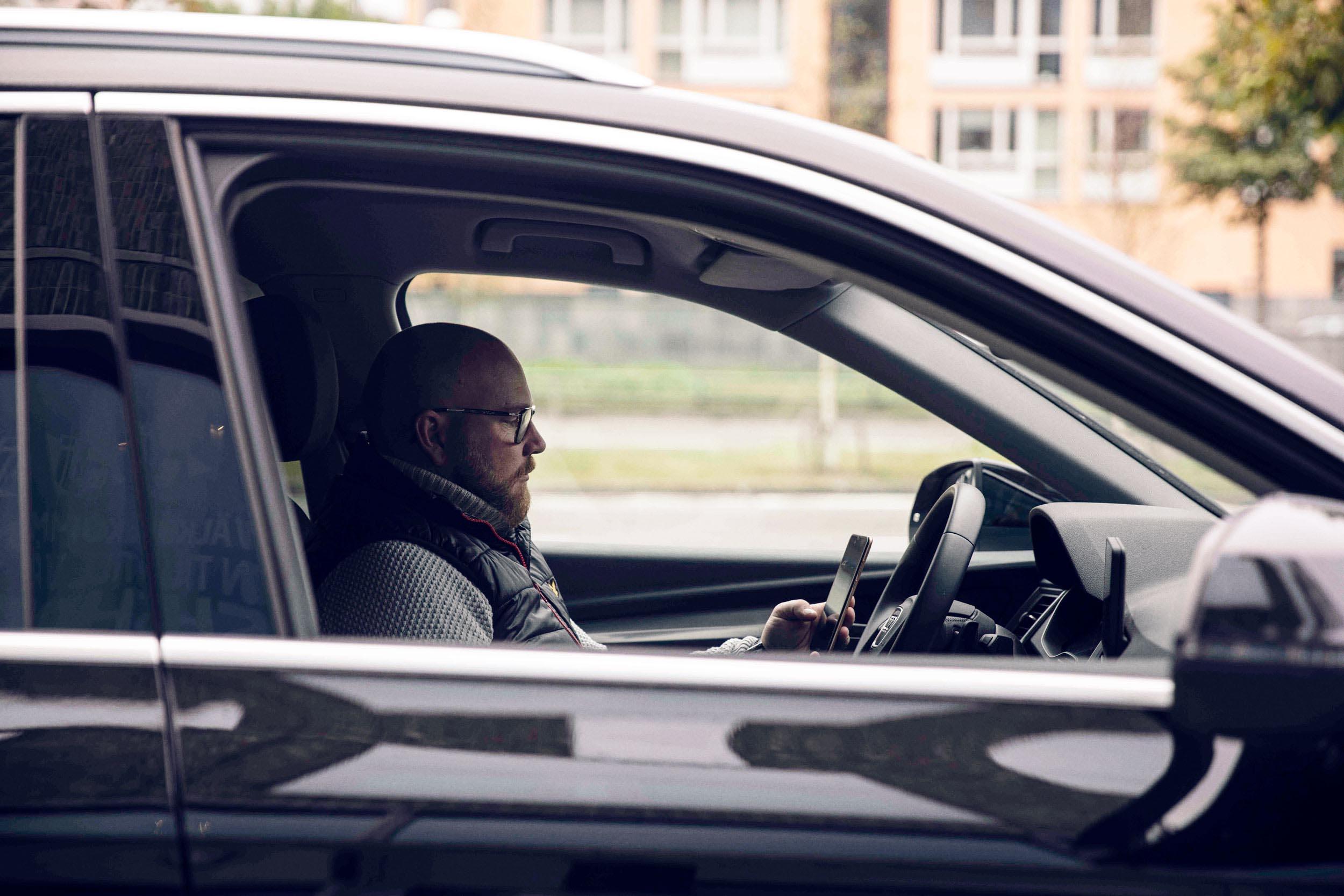 Förmånsbilstagare använder elektronisk körjournal